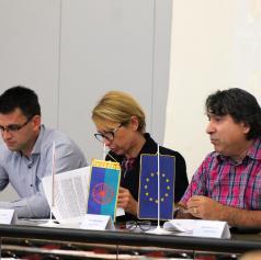 FOTO: Izobraževanje Romov je prioriteta