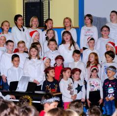 FOTO: Dobrodelna prireditev v Gornjih Petrovcih za lepši praznični čas vseh
