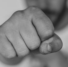 V Beltincih napadli uradno osebo