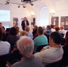FOTO: V Pomurskem muzeju Murska Sobota odprli razstavo »Mi vsi živeti ščemo«