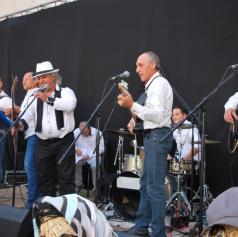 Romska glasbena skupina Romano Glauso z novo pesmijo