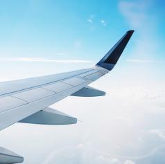 Najem letala do 20 tisoč evrov za evakuacijo slovenskih državljanov iz križarke