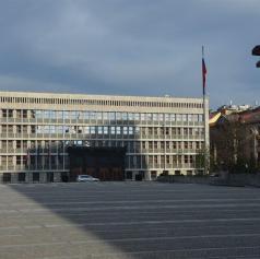 V pripravi drugi protiKoronapaket, izdan odlok o omejitvi predpisovanja in izdaje zdravil