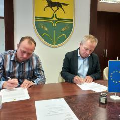 Podpisali pogodbo za rekonstrukcijo ceste v naselju Zasadi