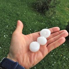 Danes napovedane močnejše nevihte s silovitejšimi nalivi, sunki nevihtnega piša in točo