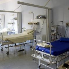 Soboška bolnišnica na začetku leta še bolj obremenjena s covidnimi bolniki, opravili manj operacij