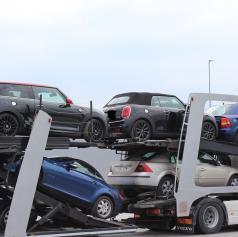 FOTO: Pomurski policisti odkrili ukradeni vozili